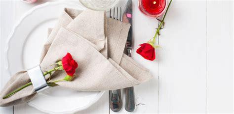 tavola per cena romantica cena romantica 5 idee per decorare la tavola diredonna