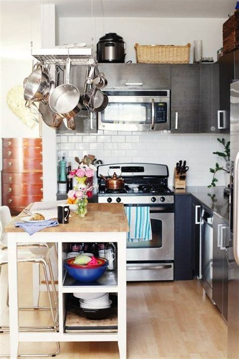 Apartment Pantry by 1000 Ideas About Small Apartment Kitchen On