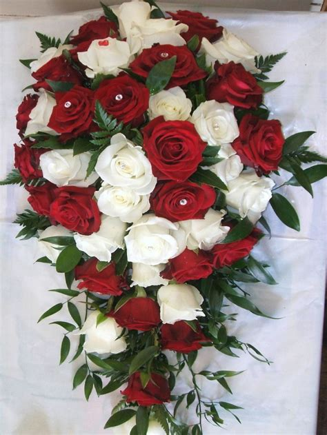 Wedding Bouquet Meaning by And White Roses Bouquet Meaning Bouquet Idea