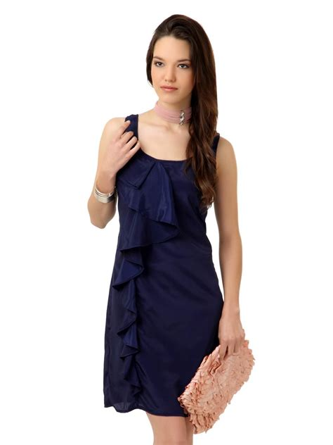 who is the woman wearing a blue dress in the viagra commercial the perks of wearing a yellow dress navy blue dress