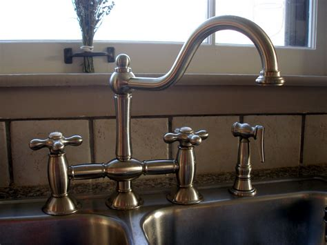 fashioned kitchen faucets fashioned kitchen sink faucets