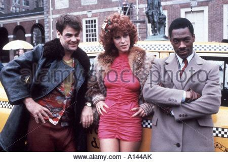 cast of trading places jamie lee curtis eddie murphy and dan aykroyd on set of
