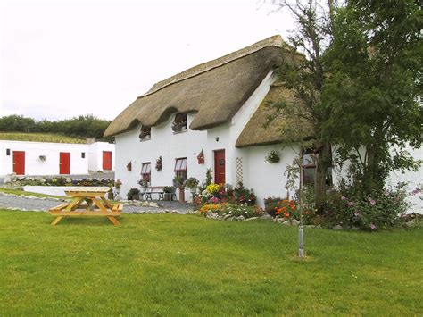 Country Cottages Ireland Cul An Cnoic Thatched Cottage Home