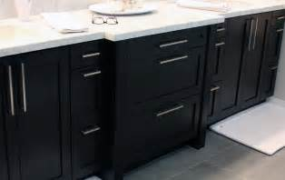 Pulls Or Knobs On Kitchen Cabinets by Black Kitchen Cabinet Pulls Top Knobs To Kitchen Cabinets