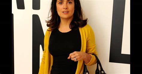Whats Wrong With Salma Hayeks Ensemble by Salma Hayek Ose L Ensemble Jupe Et Gilet Moutarde Accord 233