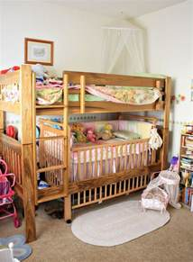 Bunk Bed With Crib On Bottom 1000 Ideas About Bunk Bed Crib On Toddler