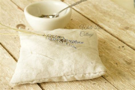 How To Make Scented Pillows by How To Make A Lavender Scented Sachet Pillow Debbiedoos