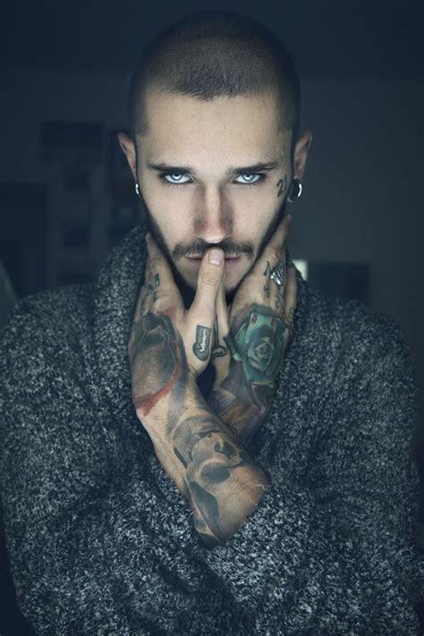 pictures of ethnic futuristic haircut for men 24 razones por las que debes salir con un hombre tatuado