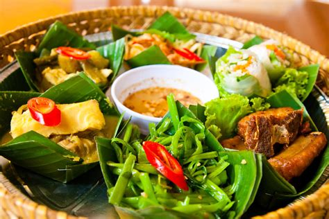 khmer cuisine what to eat in cambodia local cambodian dishes