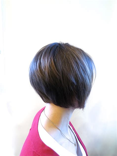hairstyles that show off highlights very clean bob that shows off some delicate highlights to