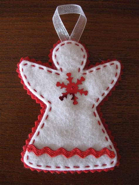 Handmade Felt Craft Patterns - 39 felt ornament crafts to trim