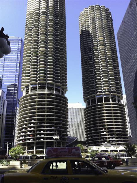 File:Marina City, Chicago   Wikimedia Commons