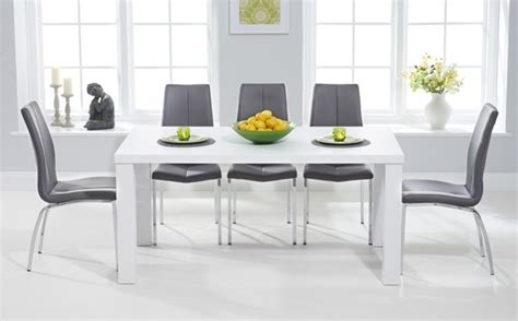 White Gloss Dining Table Set Tips To Choose White Gloss Dining Table Designinyou