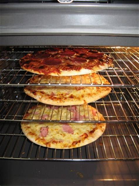 Cleaning Oven Racks With Ammonia by Cleaning An Oven With Ammonia With Pictures Ehow