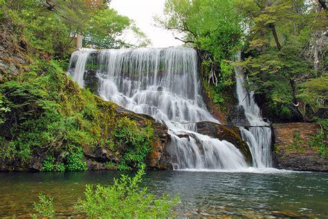 cataratas y cascadas en el jard 237 n 75 ideas cascada del arroyo mall 237 n en valle de punilla bialet mass 233