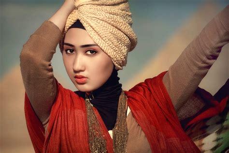 biography desainer dian pelangi 17 best images about beauty hijab on pinterest