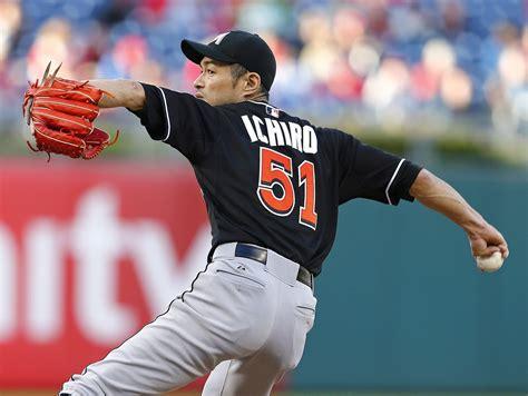 Ichiro Suzuki Outfielder Ichiro Suzuki Pitch An Inning For