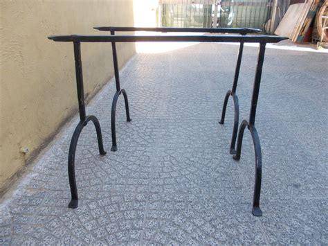 cavalletti in ferro per tavoli tavolo cavalletti in ferro battuto con antica base in noce