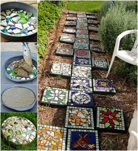 Diy Garden Decor Projects 12 Diy Mosaic Garden Decor Projects
