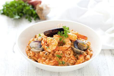 come si cucina il risotto ai frutti di mare ricetta risotto ai frutti di mare cucchiaio d argento