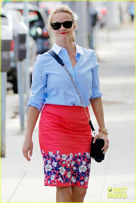 Norton To Name Purse After Reese Witherspoon by Reese Witherspoon Set To Adapt Napkin Notes Memoir For