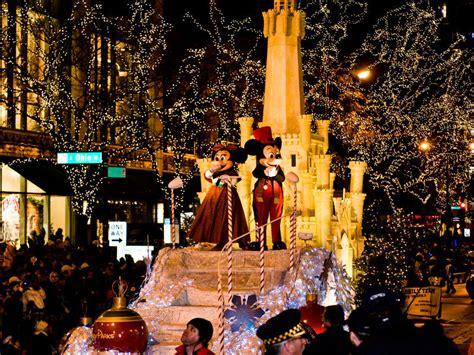 michigan avenue lights onmilwaukee guide holidays transform chicago