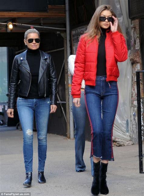 yolanda foster puffy jacket yolanda hadid and model daughters gigi and bella take nyc
