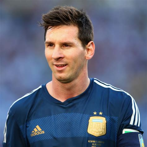 biography of messi short lionel messi biography soccer player lionel andr 233 s messi