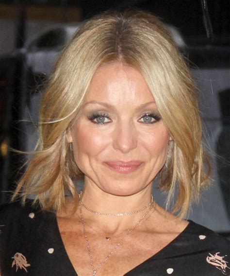 does kelly ripa have fine or thick hair kelly ripa medium straight casual hairstyle medium
