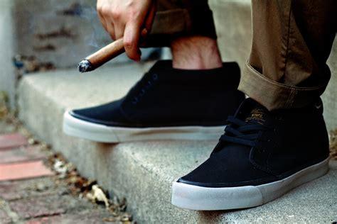 vans boat shoes on feet wtaps vans chukka black 2