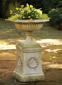 outdoors and garden urns planters and jardinieres