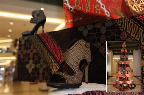 Charles Keith Batik all you can here pohon natal kontemporer di mal mewah