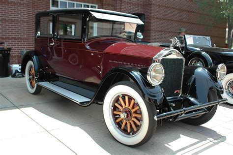10 Cars To Fall In With by Classic Cars As Top Luxury Collection And