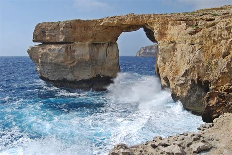 azure window file azure window 2009 jpg wikimedia commons