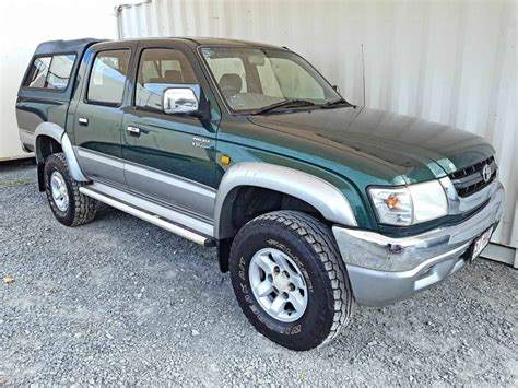 toyota 2004 for sale ute toyota hilux sr5 2004 green for sale 11 490 used