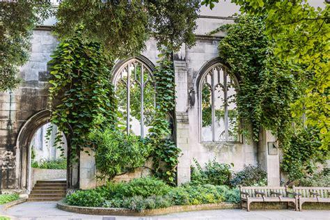 londons  visit historical churches