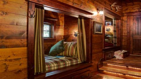 interior small cabin interior cozy log cabin