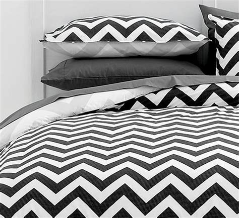 Black And White Chevron Bedroom by Black And White Chevron Bedding