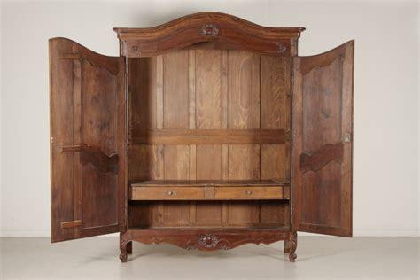 armadi in stile provenzale armadio in stile provenzale mobili in stile bottega