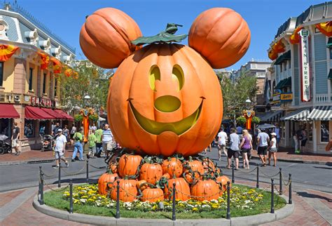 guide to disneyland events in 2016