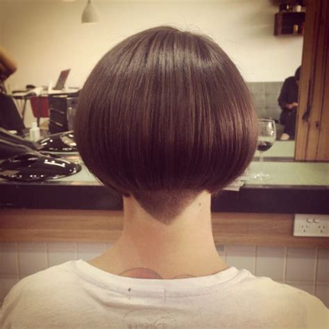 bobbed haircut with shingled npae 1920s shingle bob haircut bobs hair pinterest bobs
