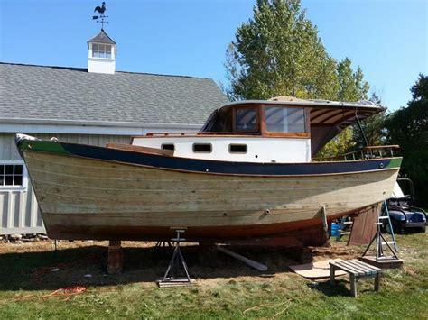 round boat hull single chine multi chine lapstrake or smooth round hull