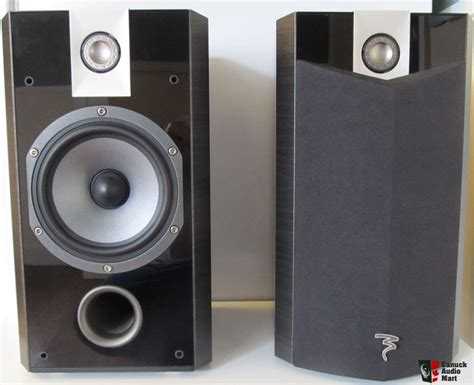 focal 806 v bookshelf speakers black gloss photo