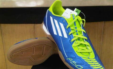 Daftar Sepatu Futsal Ando daftar harga sepatu futsal adidas april 2014