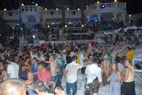 club catamaran bodrum program halikarnas the biggest night disco club in turkey tt group