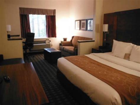 comfort inn summerville king room suite picture of comfort suites summerville