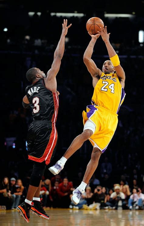 biography of kobe bryant basketball player nba reader kobe bryant biography english
