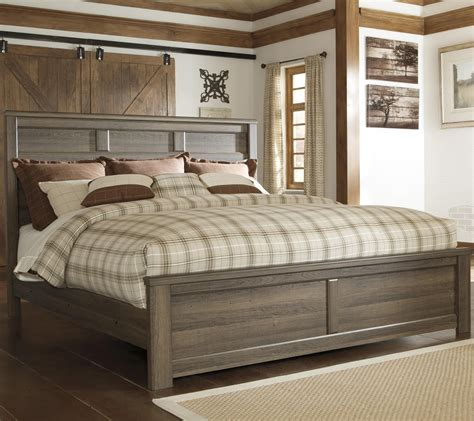 Juararo Bedroom Set Value City Signature Design By Juararo Transitional King Panel