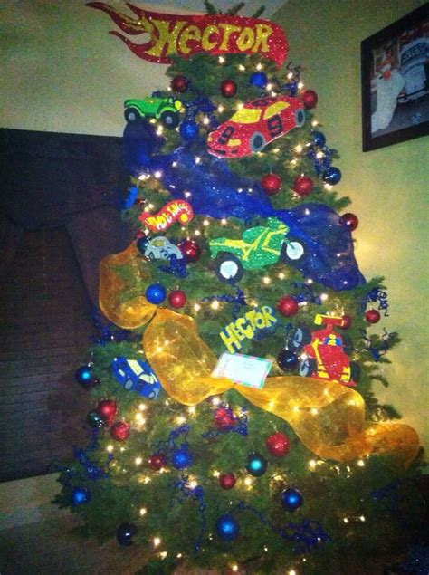 arboles de navidad decorados con juguetes hot wheels tree boys christmas tree ideas pinterest