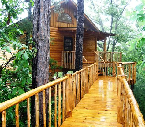real life treehouse 7 tree houses you can sleep in real simple